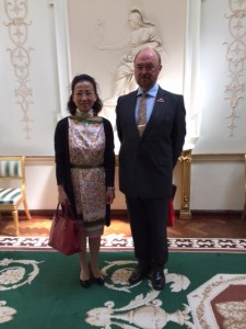 Professor Tom Shanahan with Madame Gao Lanjie, Vice President, Chinese Health Qigong Assoc.